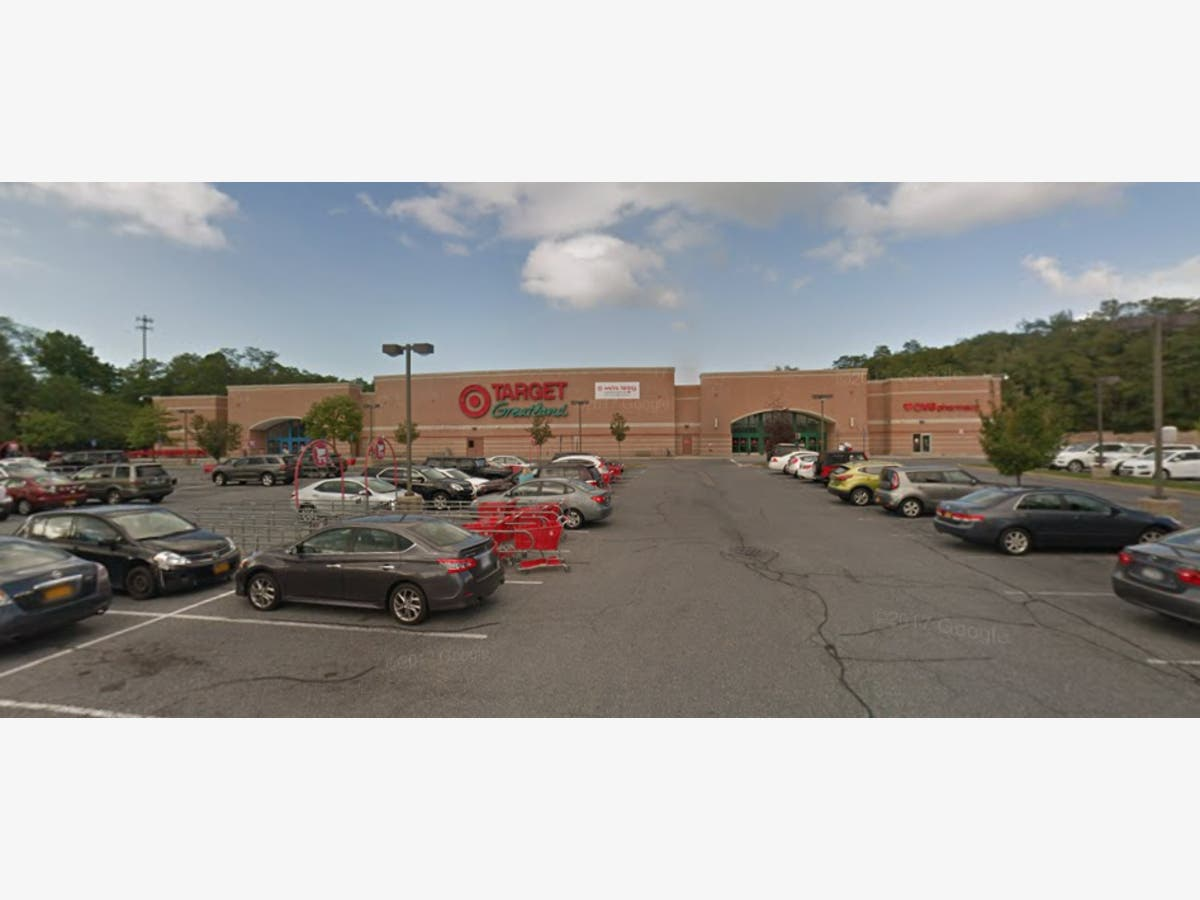 Commack Target To Shut Down Next Year: Report | Commack, NY