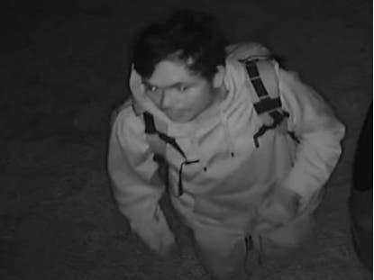 Search On For Man Who Burglarized Lindenhurst Restaurant Twice