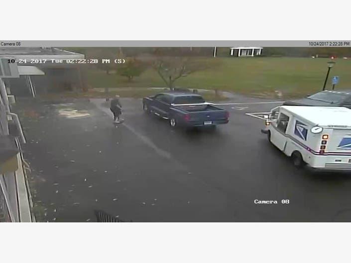 Driver Sought In USPS Woodbridge Crash | Bethwood, CT Patch
