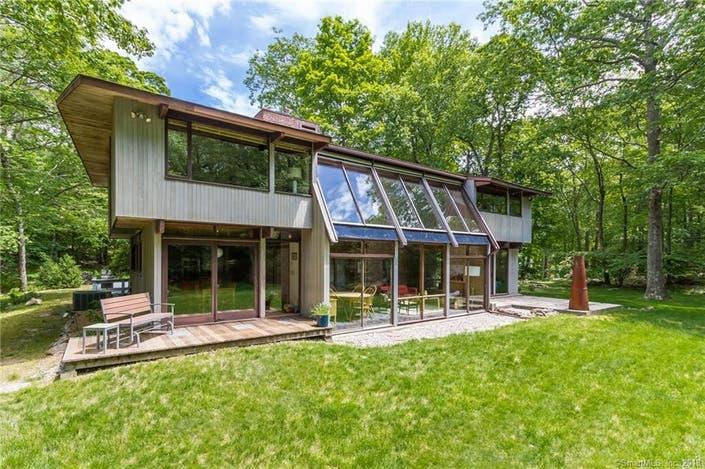 Modern Deck House For Sale In Ridgefield Ridgefield Ct