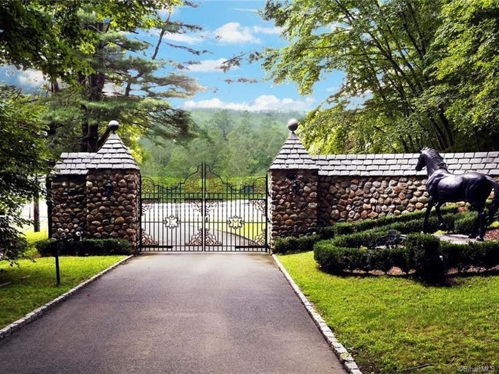29 Acre Newtown Estate For Sale