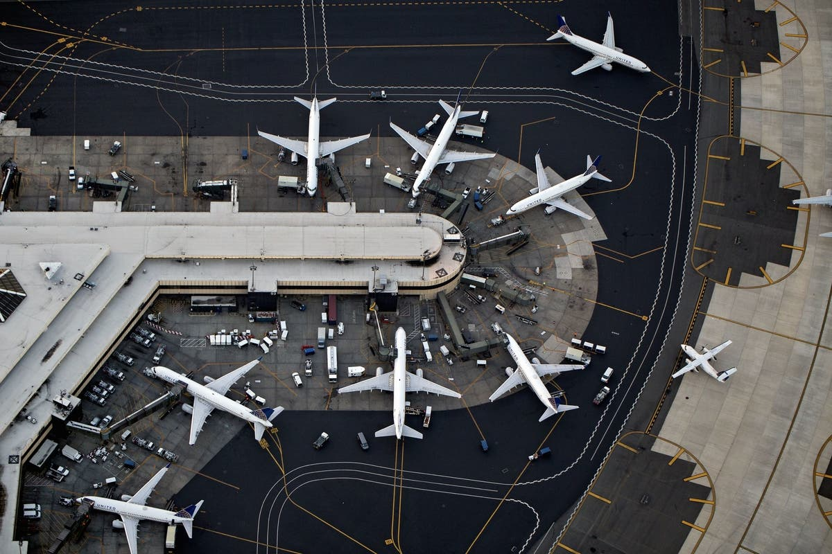 Newark Airport To Lose 821 Jobs