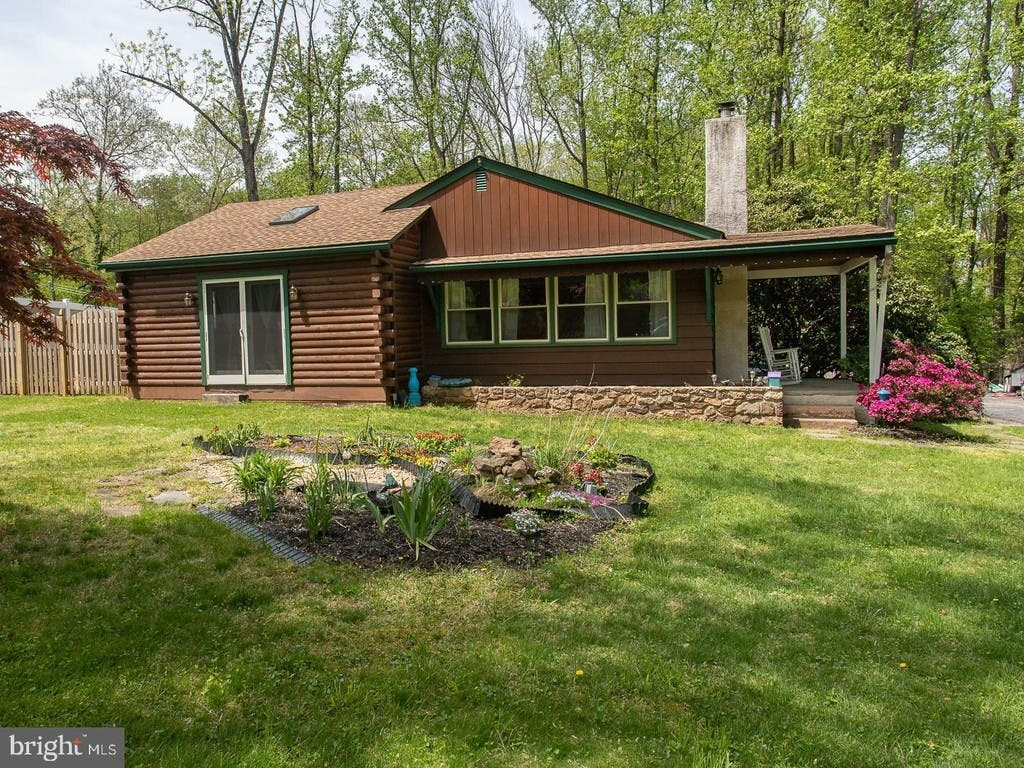 Fine Phoenixville Area Log Cabin Home Sits On Half An Acre Best Image Libraries Barepthycampuscom