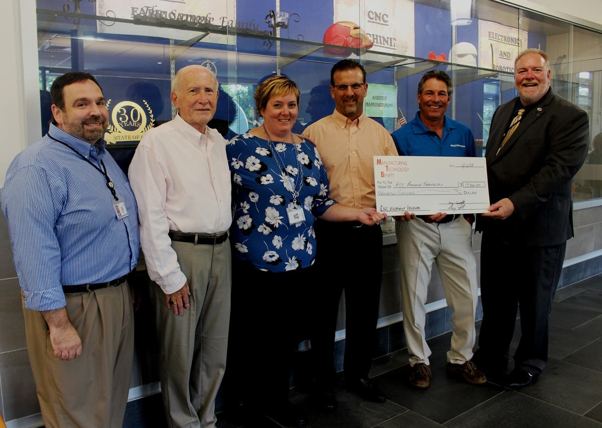 Golf Tournament Raises Funds for ACC's Manufacturing Program