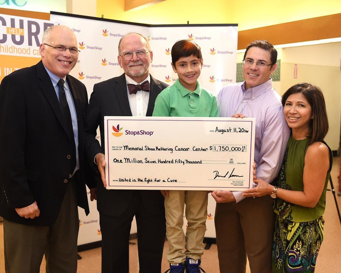 Stop & Shop Presents $1 75 Million Check to Memorial Sloan