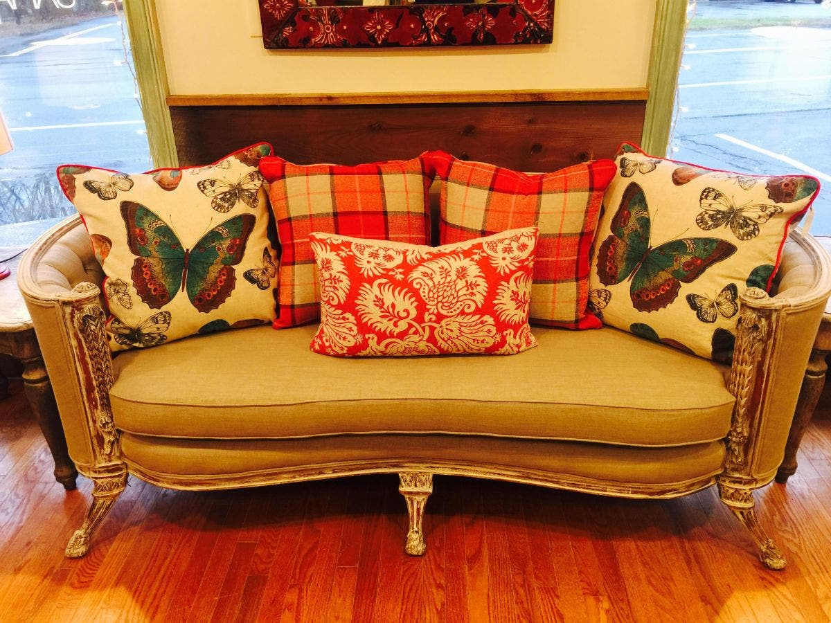 Samantha Gale Designs Opens In New Hartford Offering One Of A Kind Vintage Style Furnishings And Decor
