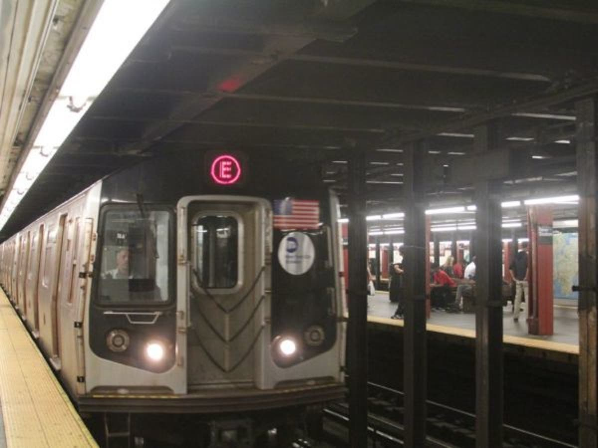 Disabled' E Train Traps NYC Subway Riders, Causes Ripple Of Delays