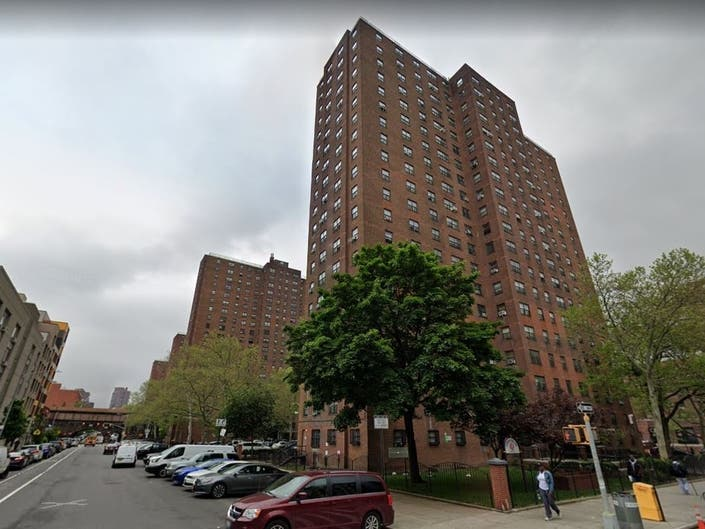 Thousands Lose Heat, Hot Water In E Harlem NYCHA Complex