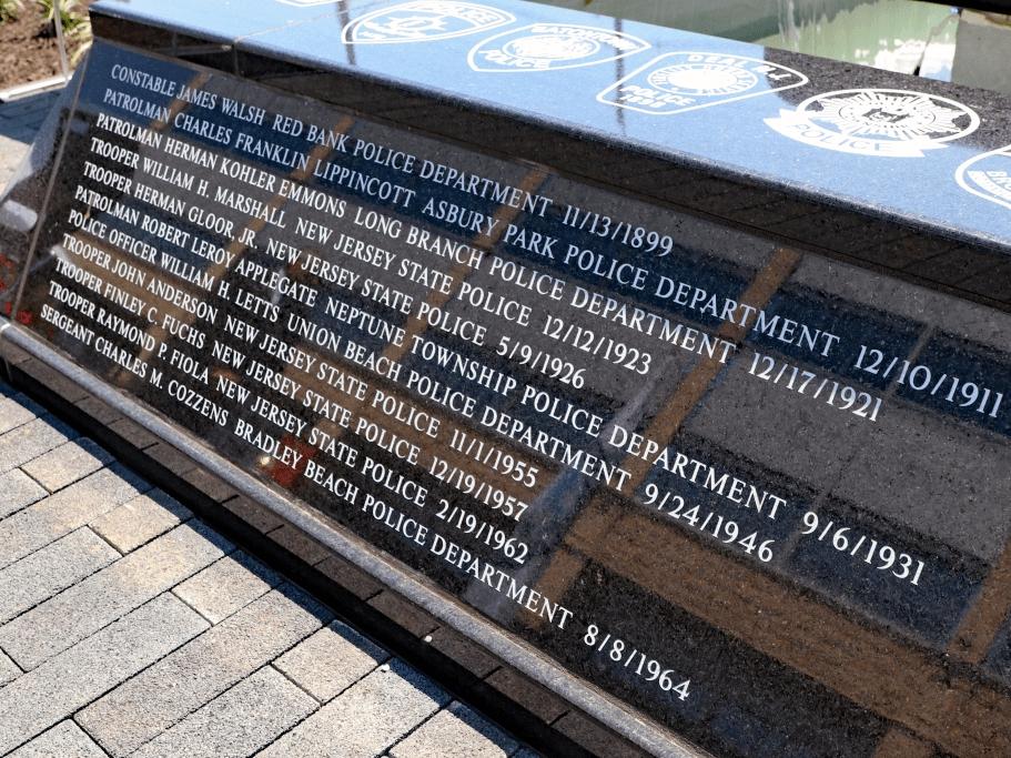 leo memorial   20153228916.