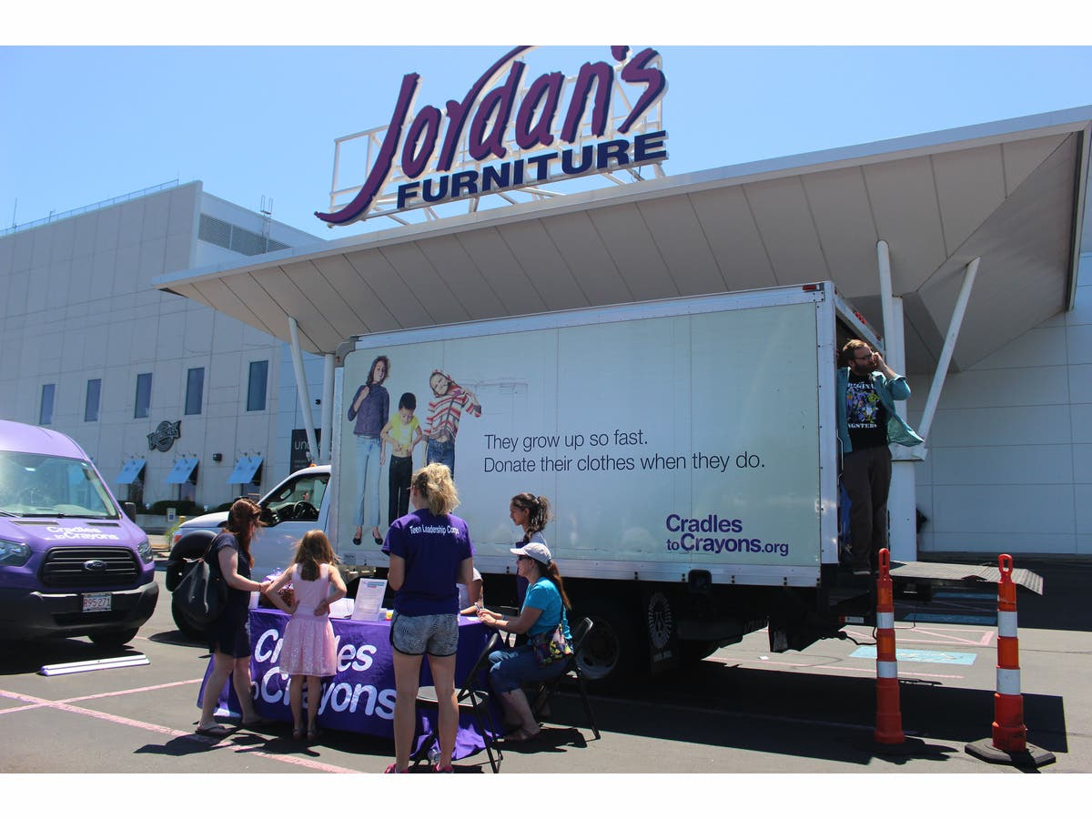 Cradles To Crayons And Jordan S Furniture Help Local Children In