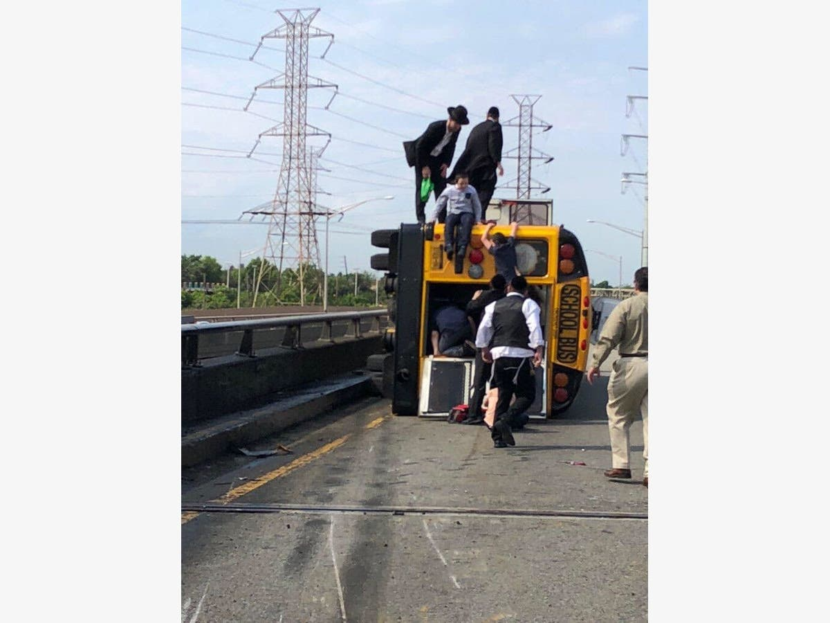 School Bus Overturns On NJ Turnpike: 4 Kids, 1 Adult Hospitalized