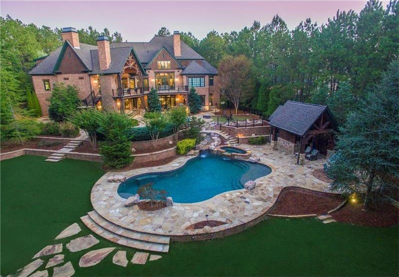 WOW!' House: Pool House, Hot Tub, Basketball Court In