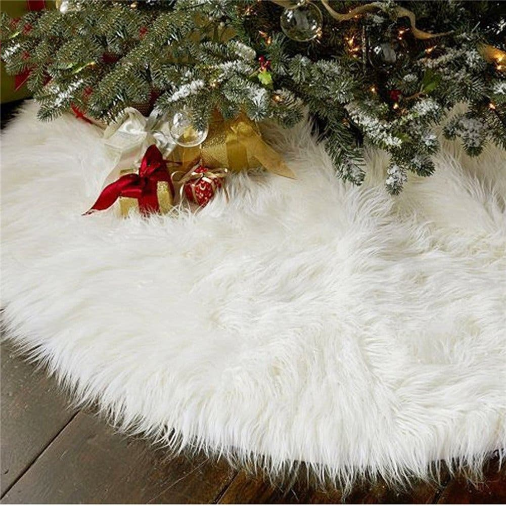 Here\'s Why You Should Buy Your Christmas Tree Decorations Now ...