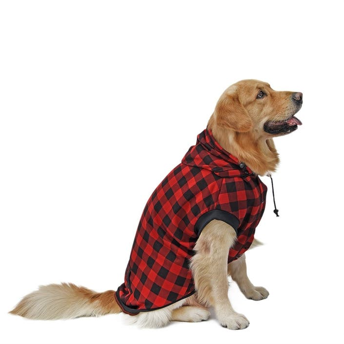 d21e8432b03f Your dog will look and feel great in this soft and cozy checkered coat. It  features an inner layer of fabric to help protect your pet ...