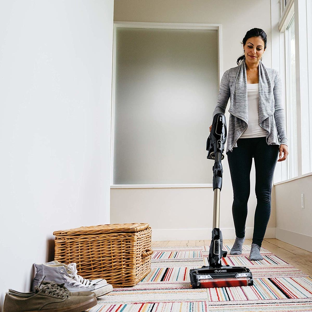 Save 150 On The Cordless Shark Vacuum That Cleans