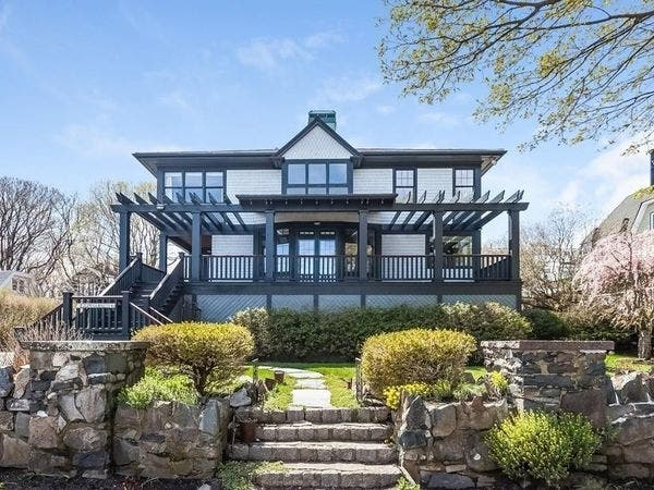 Phenomenal 10 Massachusetts Homes For Sale To Make You Say Wow Boston Download Free Architecture Designs Grimeyleaguecom
