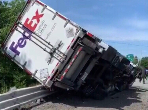 I-495 Closed After FedEx Truck Rollover In Bolton