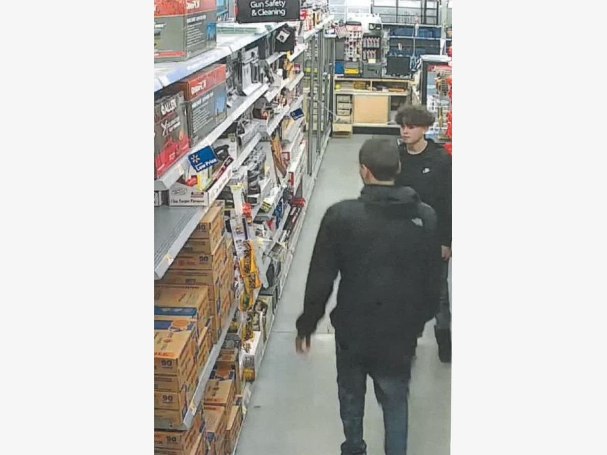 Shoplifters Dragged Elderly Walmart Employee With Car: Police