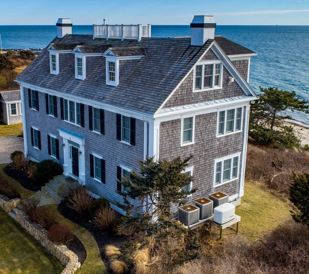 Rare Find - Spectacular Marthas Vineyard Vacation Rental