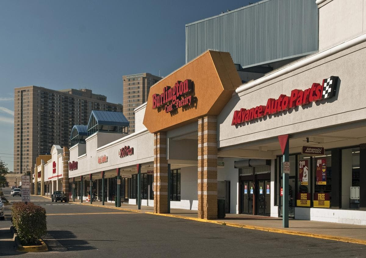 Wondrous Restaurant Lease Brings Crossroads Place In Falls Church To Home Interior And Landscaping Palasignezvosmurscom