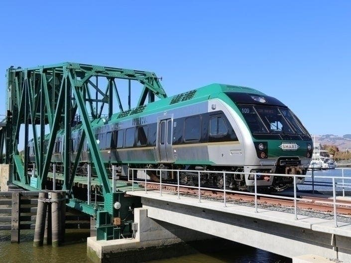 SMART Offers Free Train Rides During Thanksgiving Weekend