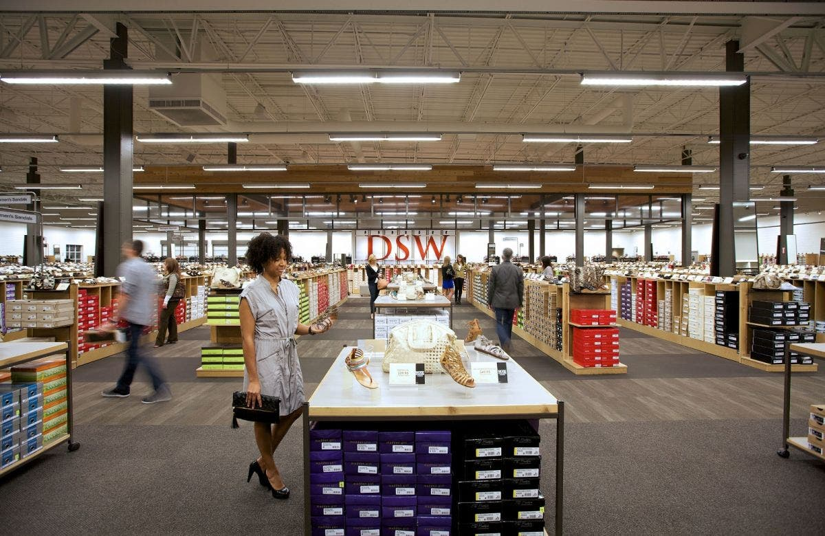New DSW Shoe Warehouse Opens in