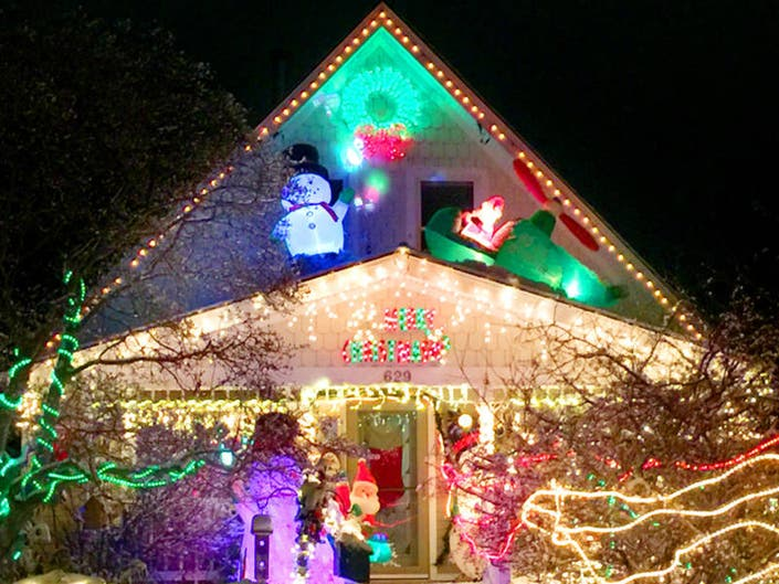 How Much Does It Cost To Run Christmas Lights In Wisconsin