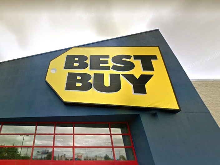 best buy burglars stole 19k in goods led police on chase cops greenfield wi patch best buy burglars stole 19k in goods