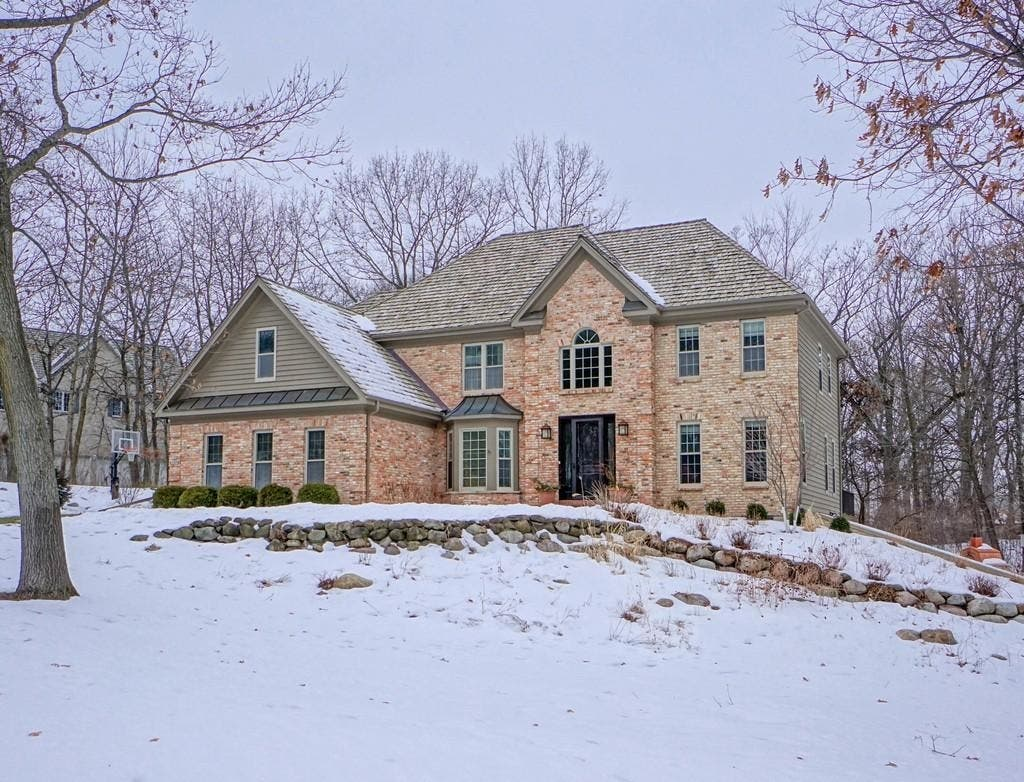 $689K Dover Bay Luxury Home Has It All