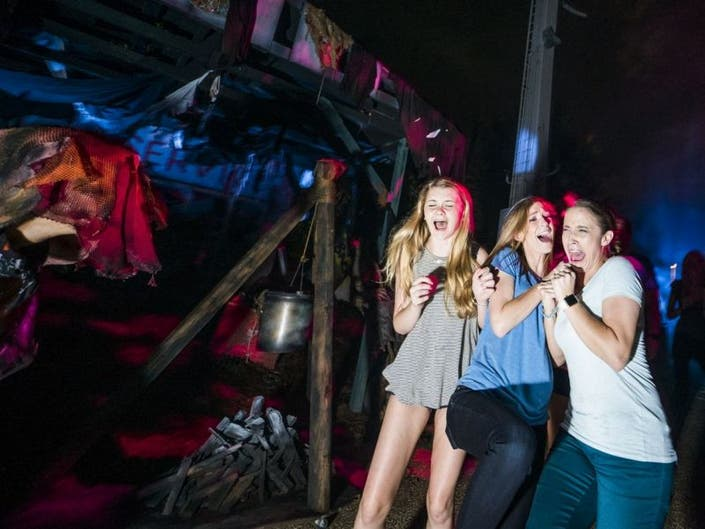 Howl O Scream 2016 What To Know Before You Go 0