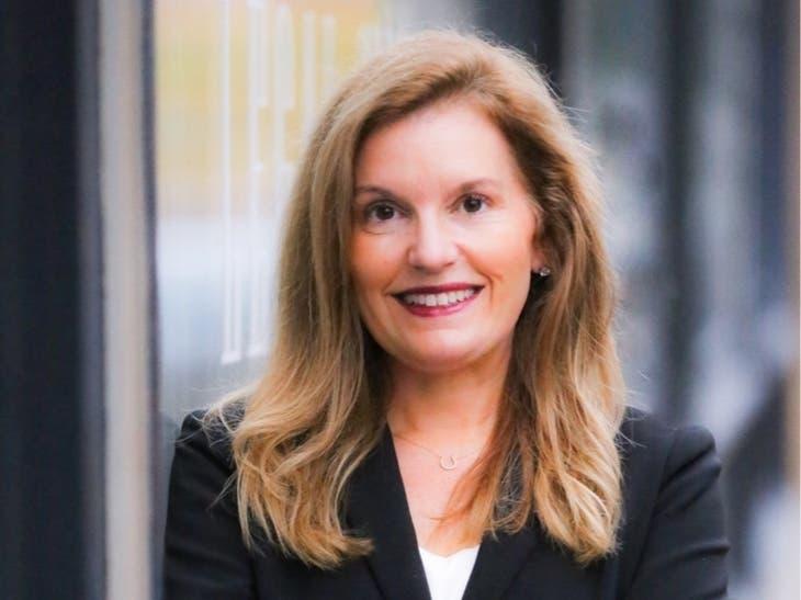 "Merrill's Jenna Carroll Named A ""Top Wealth Advisor Mom"" for 2020"