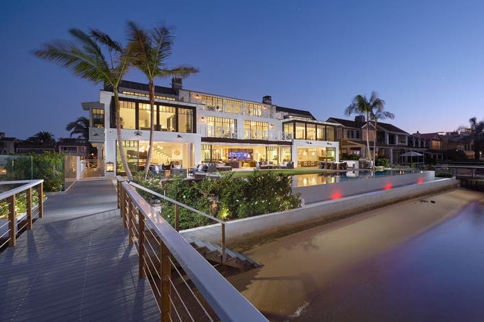 Newport Beach Bayfront Home On Point Rustic Design 44
