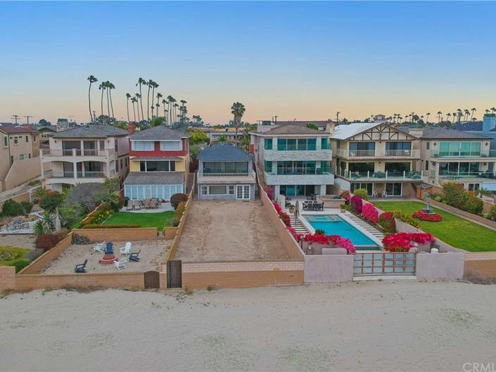 Seal Beach's Priciest tear down?  It's yours for .5 mil