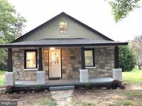 Fredericksburg COOL House: $240K For Funky Place With Character ...