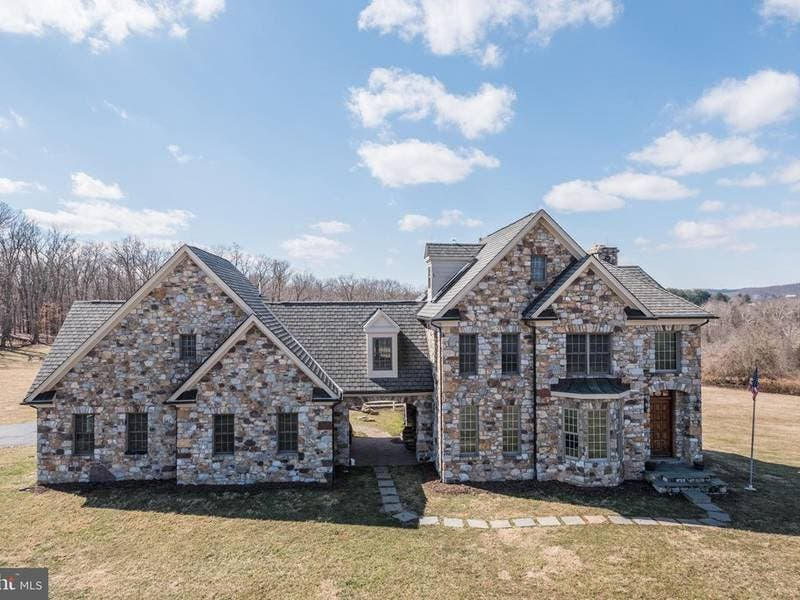 Leesburg WOW House: $2M For Once In A Lifetime Property