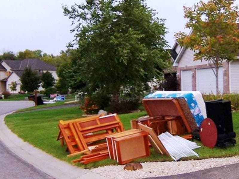 Curbside Spring Clean Up Returns to Orland Park