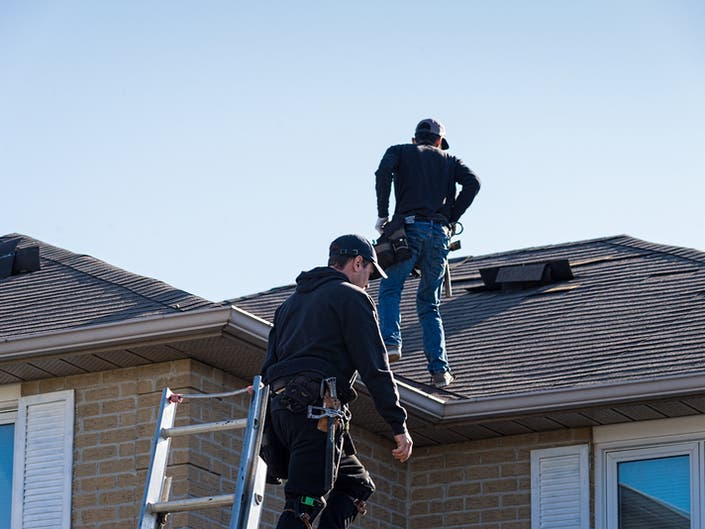 Illinois Homeowners Tips On How To Hire A Roofing