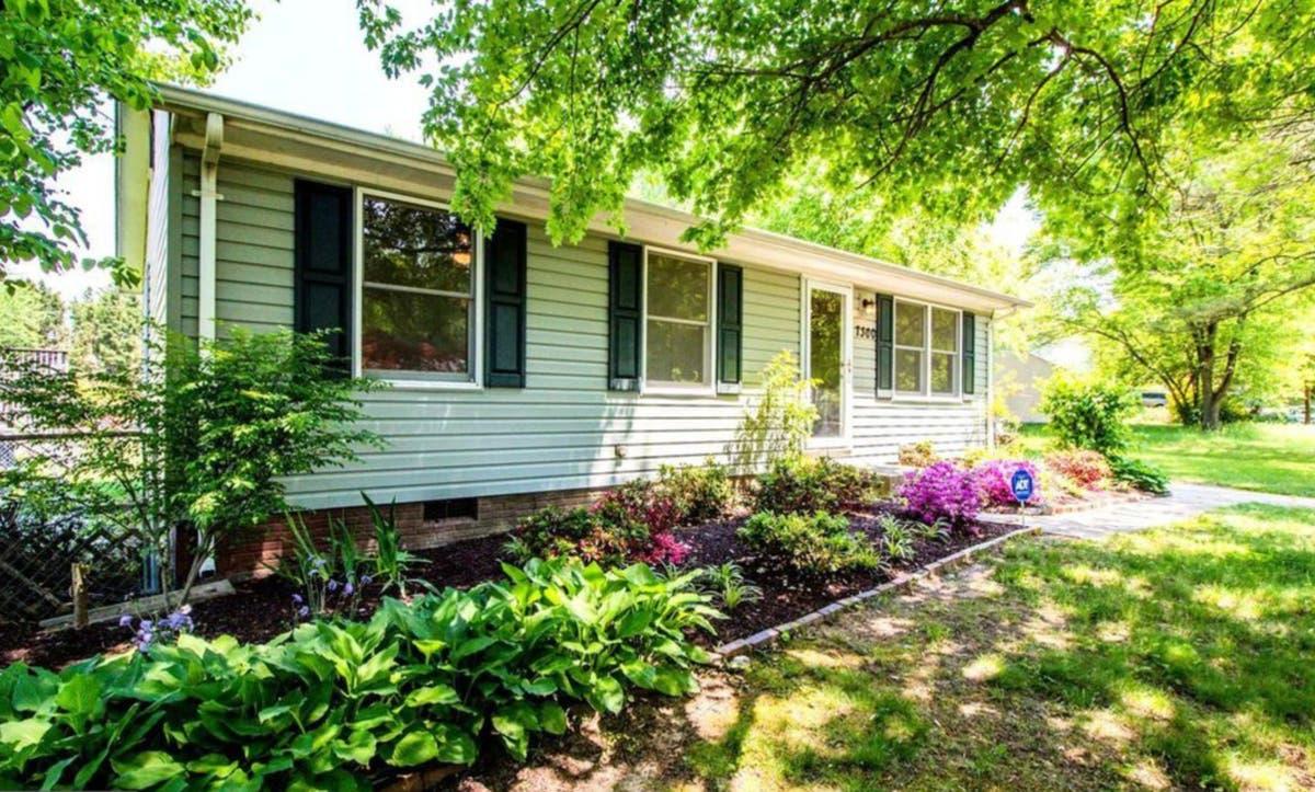 Sensational 7 Charming Maryland Homes For Sale Under 300K Rockville Interior Design Ideas Pimpapslepicentreinfo