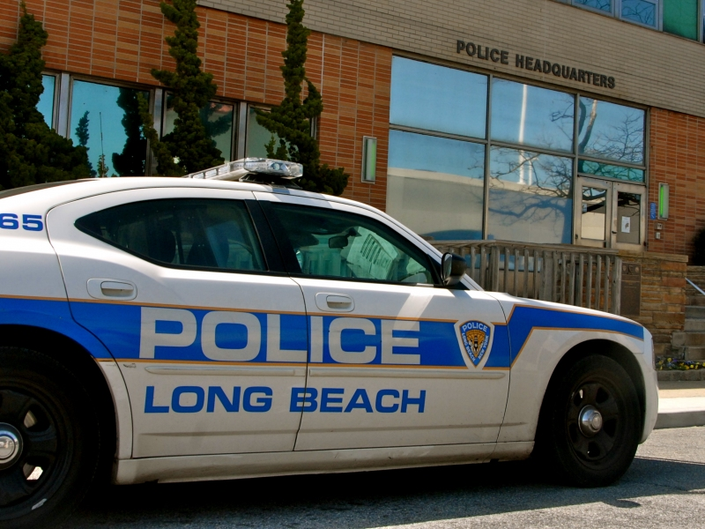 Police Catch Graffiti Sprayer In The Act: Long Beach PD