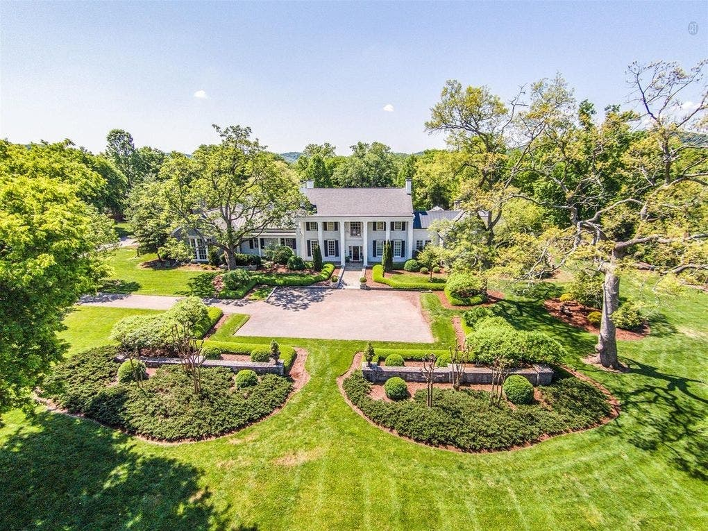 Here S Another Home Owned By Half Of A Multi Zillion Ing Country Music Duo This Time Ronnie Dunn Brooks The Ious On 16 Acres Was