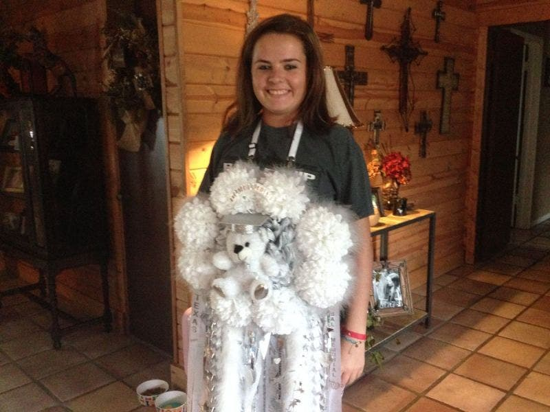 Homecoming Mums A Texas High School Tradition That Keeps Getting