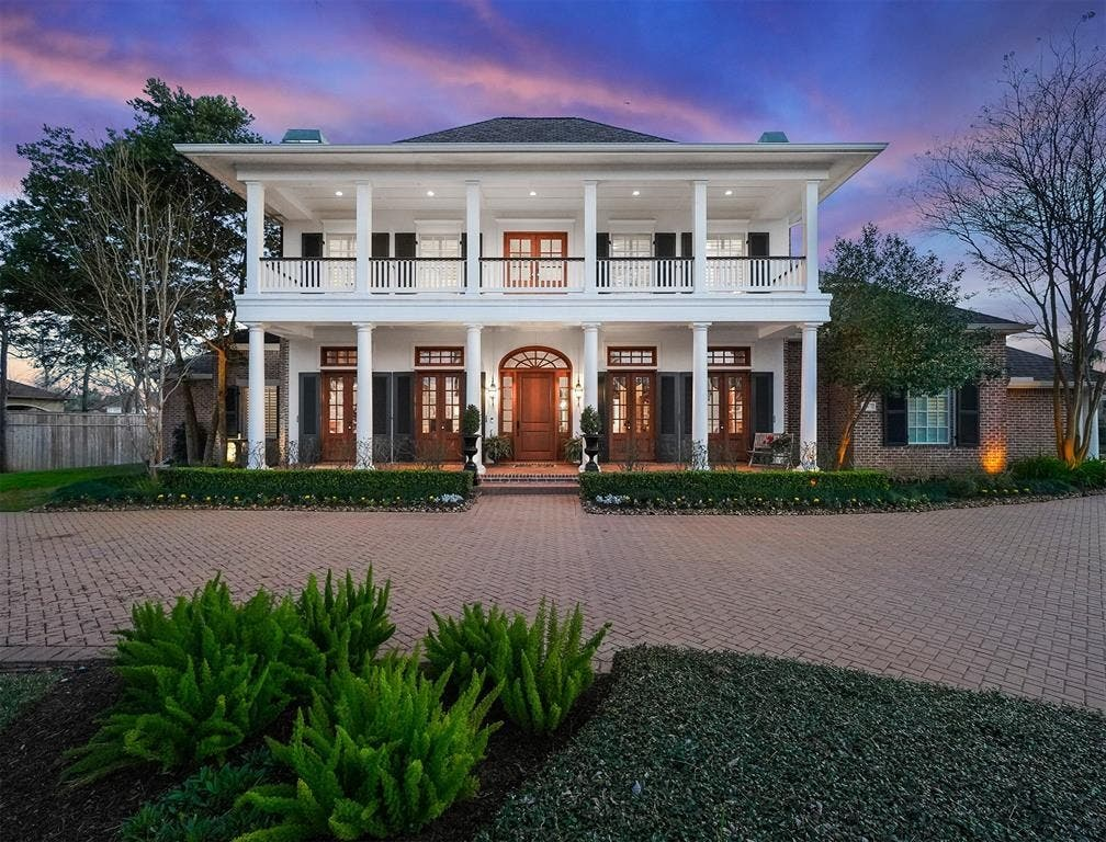 Beautiful Southern Mansion In Missouri City's Sienna ...