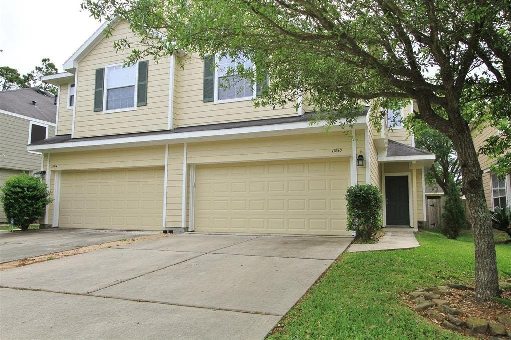 are you downsizing you ll love this cozy town home in humble rh patch com