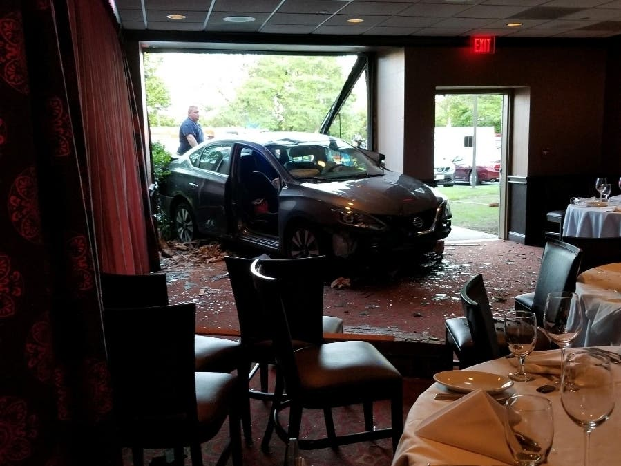 Car Crashes Through Ruth Chris Steakhouse In Parsippany: PD