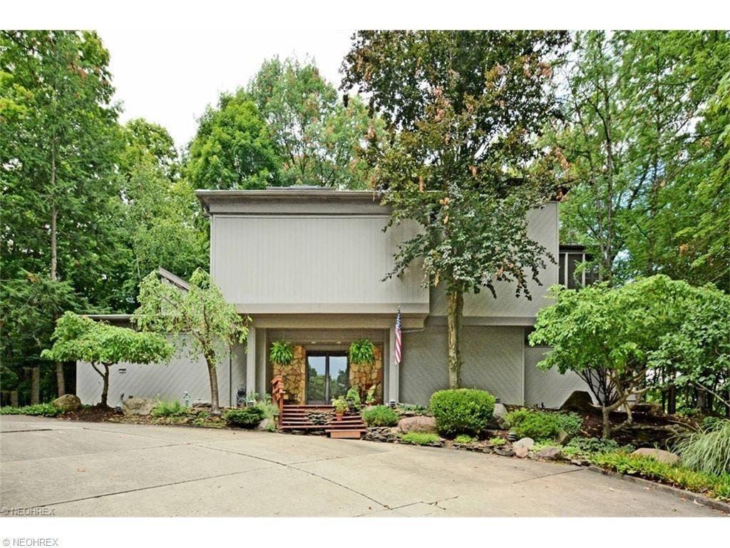 Frank Lloyd Wright Inspired Houses strongsville home inspiredfrank lloyd wright