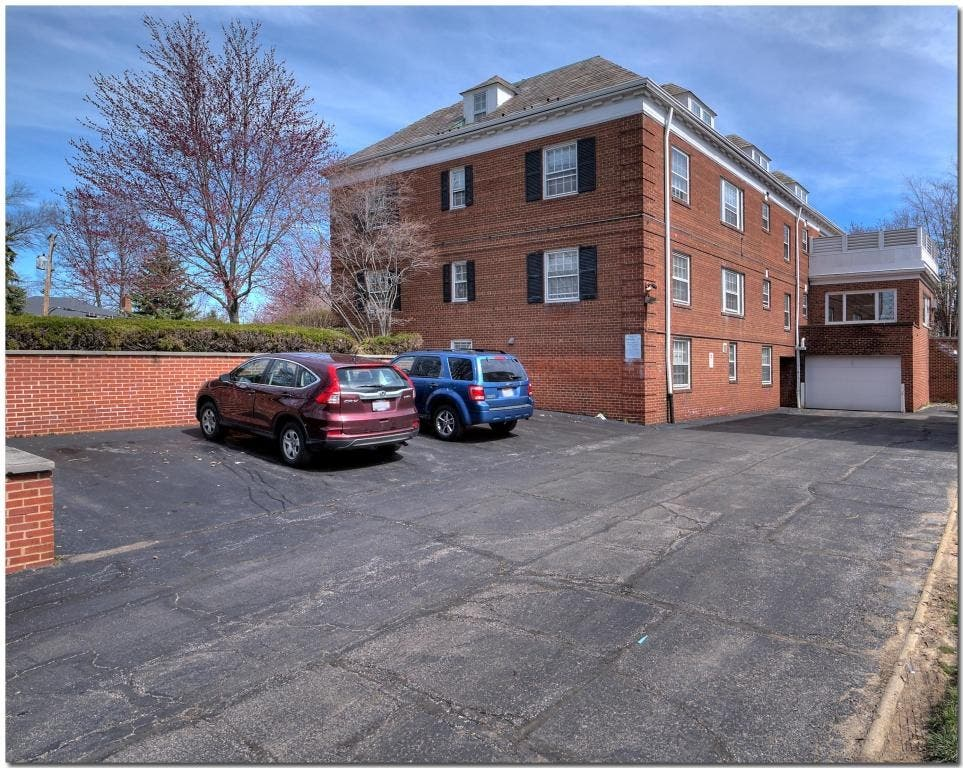 Award-Winning Apartment Complex For Sale In Shaker Heights ...