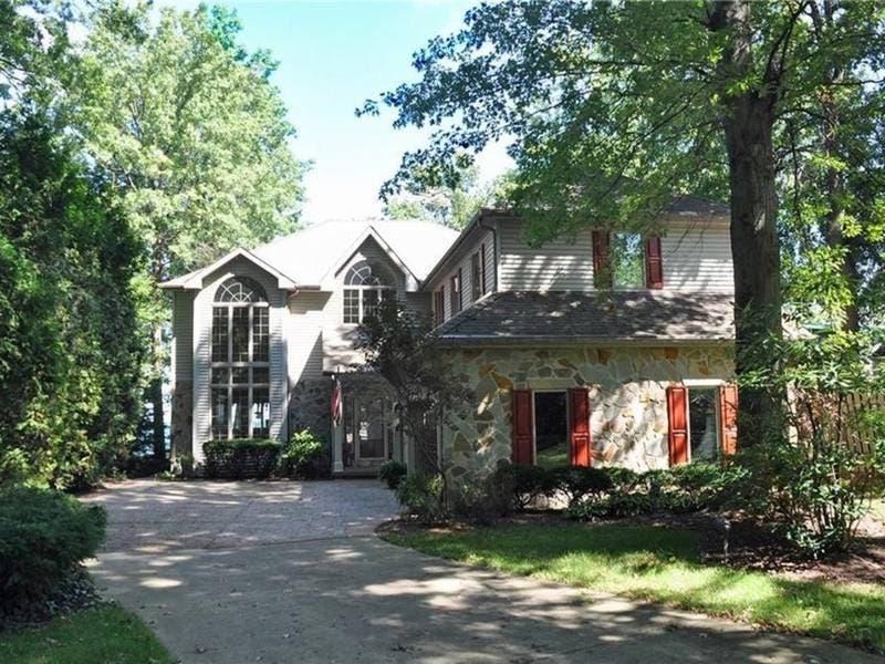 Beautiful Lakeside Mansion For Sale In Avon Lake