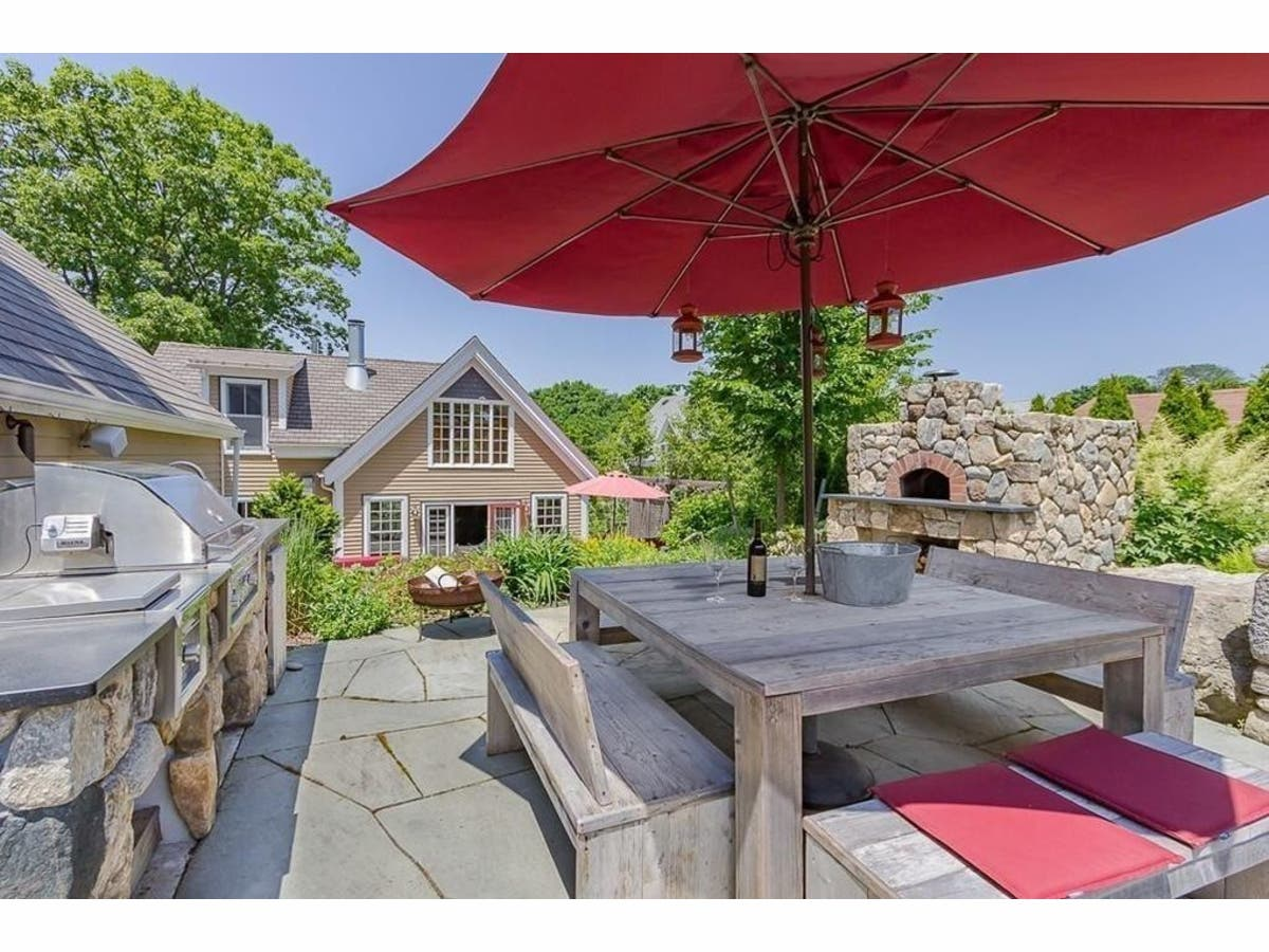Swampscott Home Boasts Outdoor Kitchen Pizza Oven
