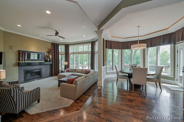 Glen Ellyn Wow House 5 Bedroom Mansion For 1 9999