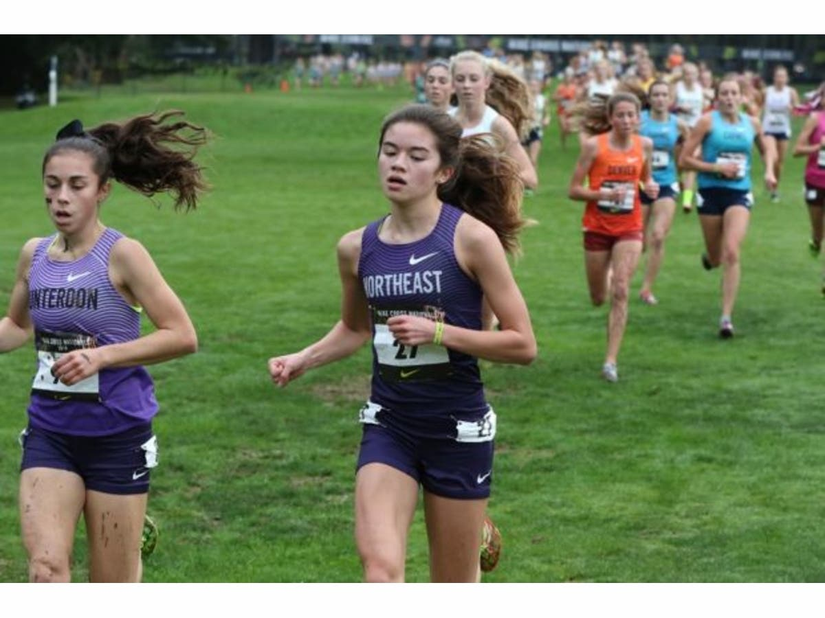 buy online 38b16 6ad31 HHS Runner at Nike Cross Country Nationals - Chloe Wong ...